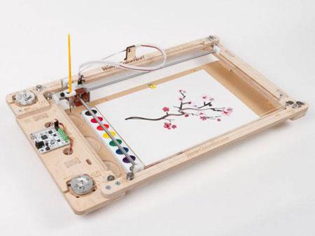 تصاویر جالب از نسل جدید روبات هنرمند نقاش