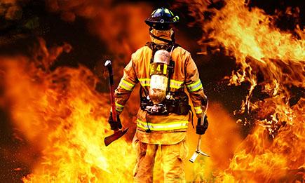 آتش نشان هایی که خود را به آتش زدند