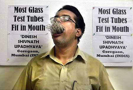 دهن گشاد ترین انسان دنیا
