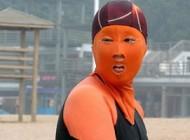 لباس شنا عجیب زنان چینی برای امنیت