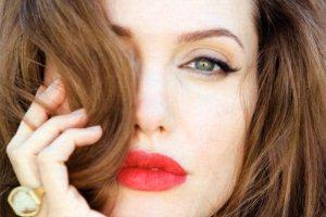 جنجال تتوی آنجلینا جولی در اروپا