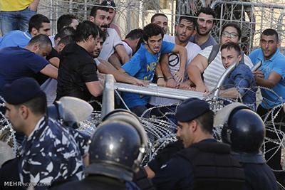 بحران عدم جمعآوری زباله و درگیری مردم لبنان به خاطر زباله ها