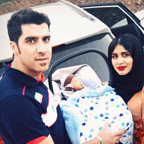 عکس شهرام محمودی در کنار پسر و همسرش