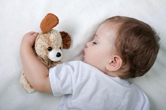 چگونه کودک مان را به راحتی بخوابانیم؟!