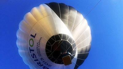 اولین بالن خورشیدی در انگلستان به پرواز در آمد