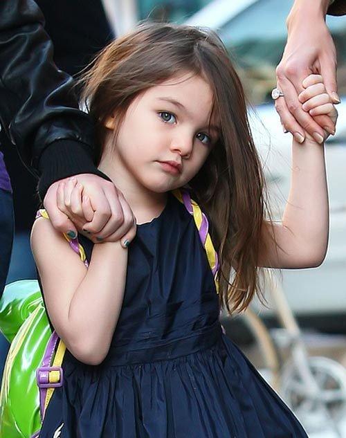 دختر کتی هلمز کوچکترین طراح لباس دنیا