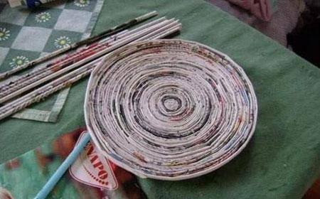 طرز ساخت تصویری ظرف زیبا با روزنامه