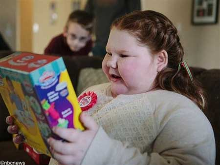 این دختر کوچولو هر هفته 1 کیلو اضافه وزن پیدا میکنه