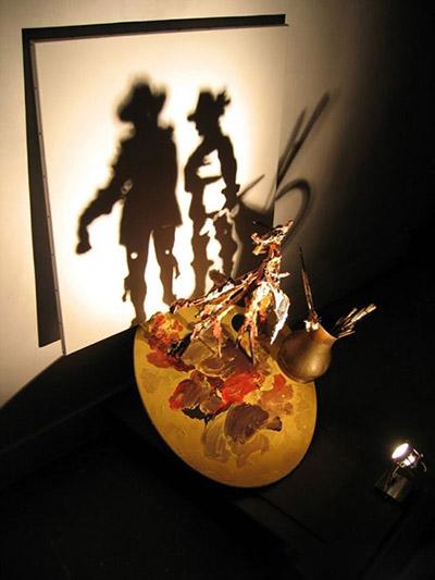 زباله هایی که با رقص نور جان میگیرند