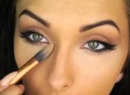 آرایش چشم مخصوص خانم های میان سال