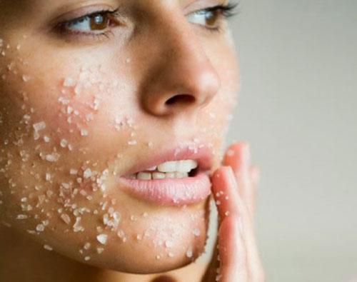 7 روش استفاده از نمک برای زیباترشدن