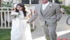عکس عروس 11 ساله با پدر 62 ساله اش