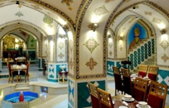 محلات اصفهان و سفره خانه های سنتی گردشگران
