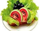 تزئین زیبای دورچین غذا به شکل هندوانه