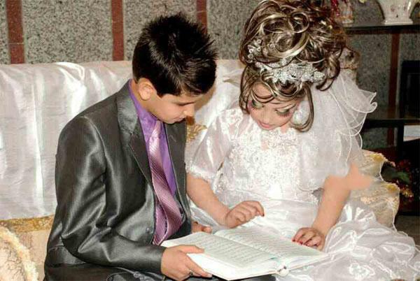 انتشار عکس های عقد و عروسی عروس ۱۰ ساله و داماد ۱۴ ساله ایرانی