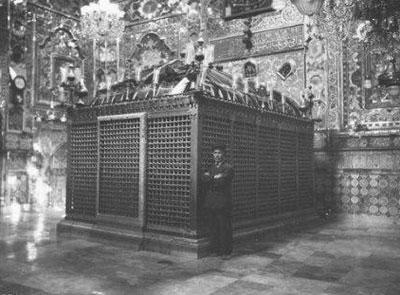 تصاویر و توضیحاتی درباره ساخت اولین بنای حرم امام رضا