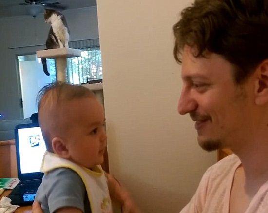 حرف زدن عجیب کودک 3 ماهه