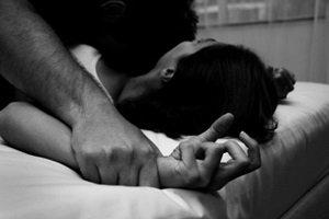 خودکشی دختر 20 ساله پس از تجاوز 4 مرد