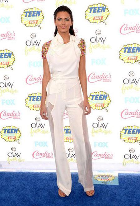 بهترین لباس های هنرمندان هالیوودی در مراسم Teen Choice Awards 2015
