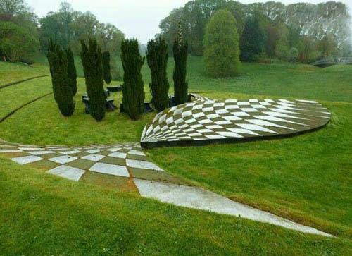 تصاویر جالب از باغی با طراحی کیهانی