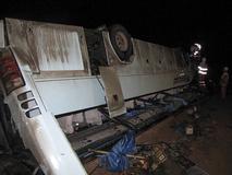 واژگونی مرگبار اتوبوس در یزد