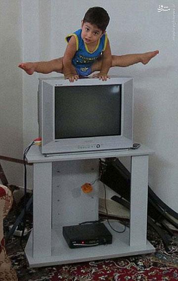 """عکس پسر بچه 2 ساله بابلی در روزنامه بریتانیایی """"دیلی میل"""""""