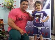 بازیگر پیشکسوت سینما داریوش ارجمند دختر مرحوم عباسپور را به مدرسه برد