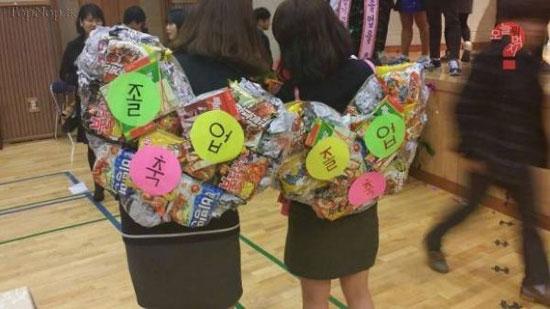 ایده بسیار جالب دختران یک مدرسه از وسایل بازیافتی