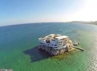 ساخت ویلای بسیار زیبا و لوکس در وسط دریا
