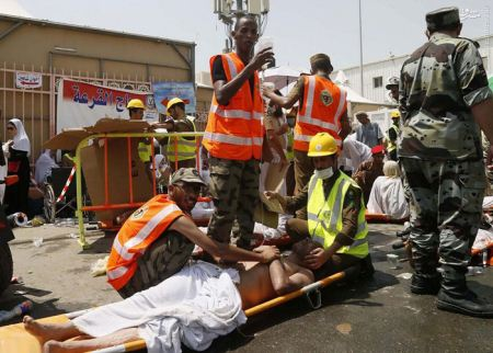 تصاویر تاسف بار از مجروحین و کشته شدگان حجاج در عید قربان
