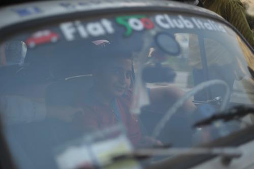 تصاویر زیبای توریست ها در کنار کودکان سرطانی محک