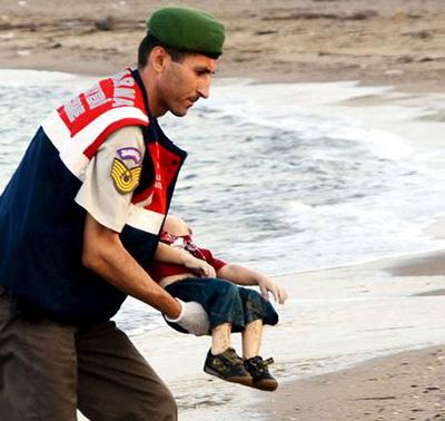 واکنش نخست وزیر انگلیس نسبت به مشاهده  مرگ دلخراش کودکان سوری لب ساحل