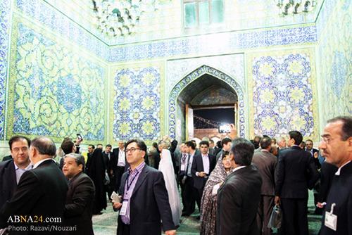 عکس های حضور سفیر فرانسه در حرم امام رضا (ع)