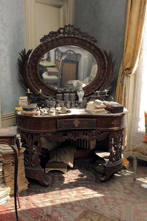 خانه زیبای فرانسوی که 60 سال دست نخورده است