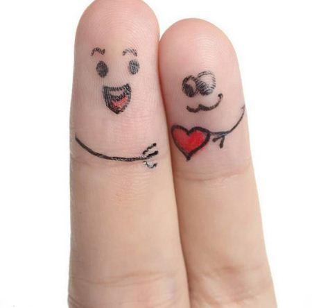 عکس های جالب وقتی انگشت ها عاشق می شوند برای تلگرام