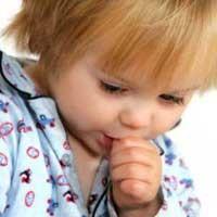 مکیدن انگشت در کودک عوارض و درمان