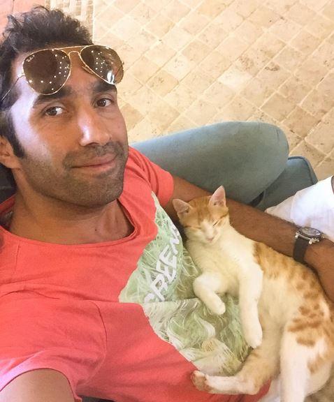 عکس سلفی هادی کاظمی من و گربه یهویی