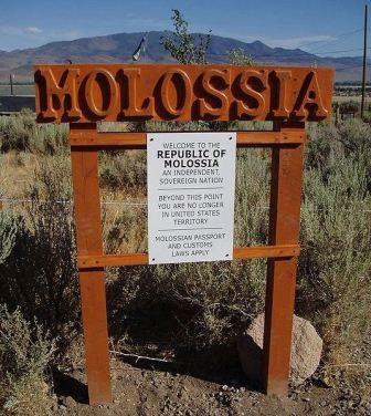 تصاویر جالب از کشور مولوسیا با سه نفر جمعیت