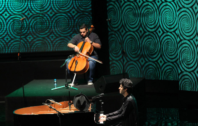 تصاویر اجرای کنسرت گروه دنگ شو