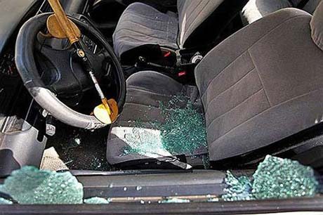 سرقت از ماشین بازیکن بیحواس پرسپولیس + عکس