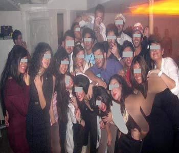 بی بندوباری جنسی در پارتی مختلط دانشجویی   تصاویر