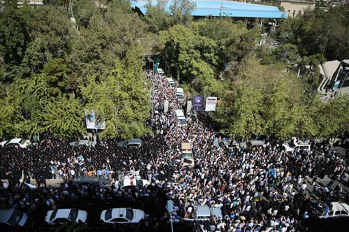 مراسم تشییع زائران کشته شده در منا در تهران + تصاویر
