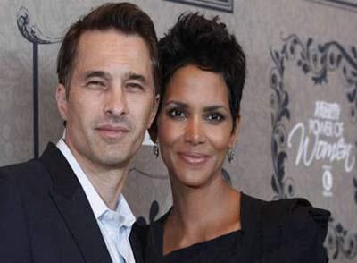 بازیگر زن سینما از همسرش طلاق میگیرد