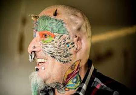 مردی که به عشق حیوان خانگی اش گوشهایش را برید + تصاویر