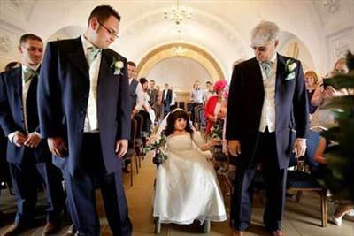 مراسم ازدواج جالب دختر 80 سانتیمتری + تصاویر