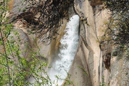 تصاویر و آشنایی با آبشار زیبای شاهاندشت در استان مازندران