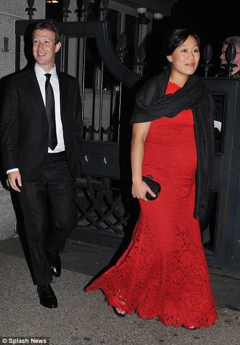 مالک فیس بوک در کنار همسر باردارش در کاخ سفید + تصاویر