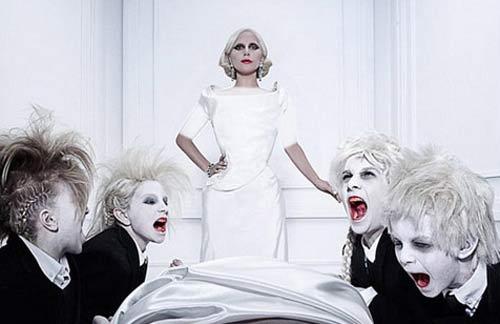 خواننده زن مشهور، زن سال 2015 انتخاب شد ! + عکس