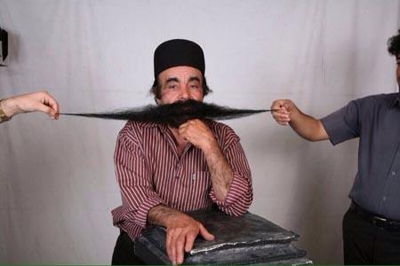 مرد بوشهری رکورددار درازترین سبیل جهان + تصاویر