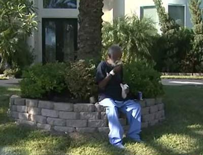 ماجرای مرد میلیونری که همسرش او را از خانه بیرون کرد + تصاویر
